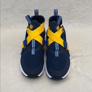 NWOB Nike Haurache City Sneaker